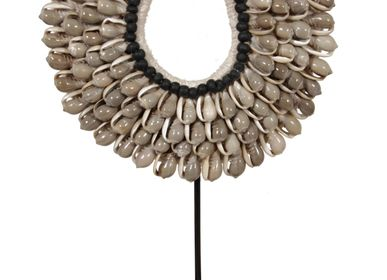 Decorative objects - G9 Small Shell necklace - POLE TO POLE