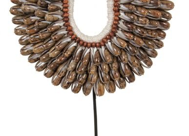 Decorative objects - G10 Small Shell necklace - POLE TO POLE