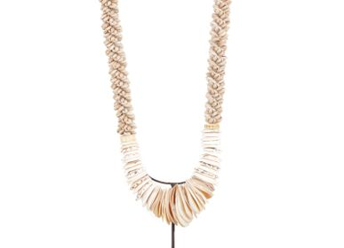 Decorative objects - D33 Shell Necklace - POLE TO POLE