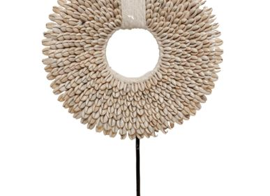 Decorative objects - H1 Small Shell necklace - POLE TO POLE