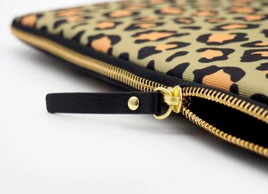 Bags and totes - Laptop sleeve iPad: Olive Leopard - CASYX