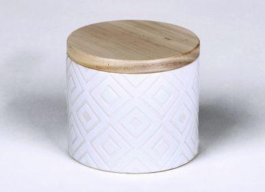 Bougies - Bougie Ebba parfumée 'Atlantic Breeze' dans un récipient avec couvercle en bois - LAMBERT