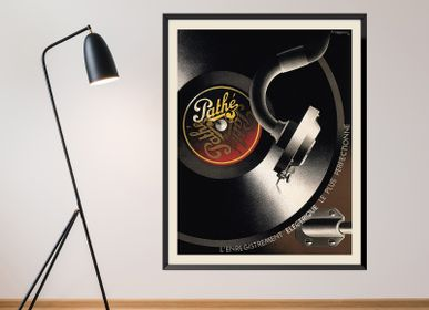 Poster - POSTER PATHÉ CASSANDRE AVAILABLE IN 2 FORMATS - BILLPOSTERS