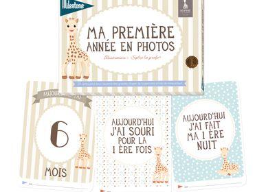 Creative Hobbies - Baby Photo Card Booklets - Milestone TM - MILESTONE TM
