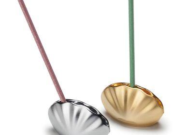 Senteurs - Porte-encens Kolip Shell - Or mat - SHOYEIDO INCENSE CO.