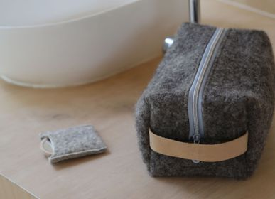 Clutches - Small pouch in wool felt - HL- HELOISE LEVIEUX