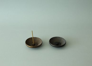 Decorative objects - GUSOKU - Chrysanthemum - brass incense holder - NOUSAKU