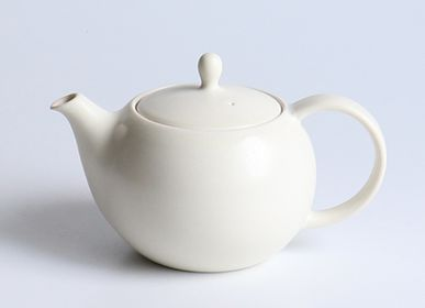 Ceramic - YUI Back handle Teapot 600ml - SALIU
