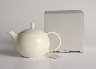 Ceramic - YUI Back handle Teapot 330ml - SALIU
