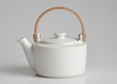 Ceramic - SYO Wooden handle teapot - SALIU
