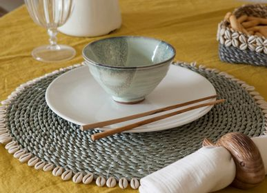 Platter, bowls - Shell Placemat - MAHE HOMEWARE