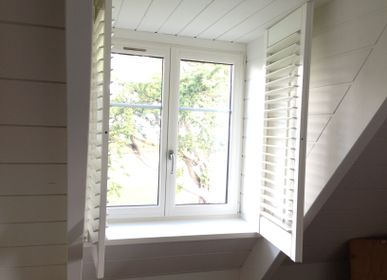 Curtains and window coverings - JASNO SHUTTERS - Interior shutter with adjustable louver in dog sitting - JASNO