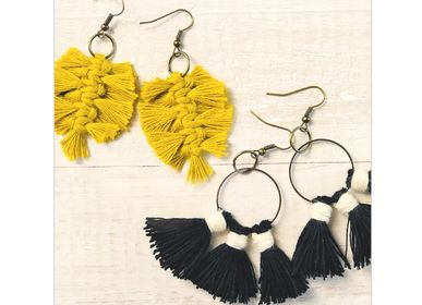Creative Hobbies - DIY Creative Kit - Earrings - Feathers & Pompoms - FRENCH KITS