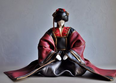 Sculpture - Geisha Leather Sculpture - ANNIE DELEMARLE