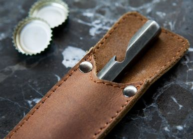 Kitchen utensils - Bottle opener in leather sleeve - BRÛT HOMEWARE