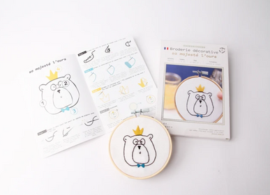 Creative Hobbies - Decorative Embroidery Kit - Her Majesty The Bear - FRENCH KITS