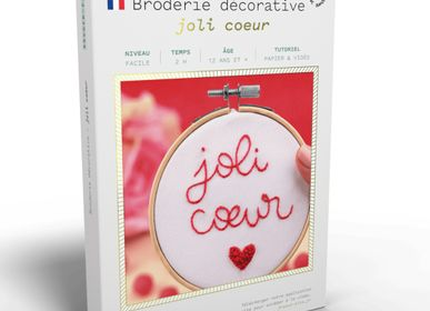 Decorative objects - Decorative Embroidery Kit - Joli Coeur - FRENCH KITS