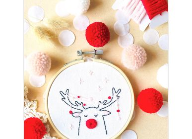 Decorative objects - Decorative Embroidery Kit - Reindeer - FRENCH KITS