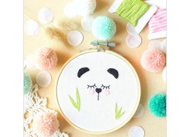 Decorative objects - Decorative Embroidery Kit - Panda - FRENCH KITS