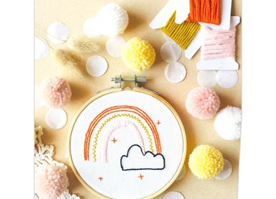 Gifts - Decorative Embroidery Kit - Rainbow - FRENCH KITS