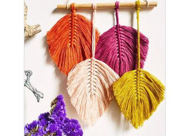 Creative hobbies - DIY Creative Kit - Mini Suspension - 4 Feathers - FRENCH KITS