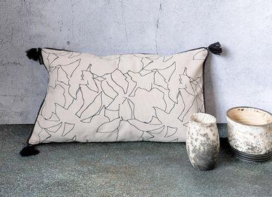 Coussinstextile - ESQUISSE - Housse de coussin coton sérigraphie main 50x30 cm - CONSTELLE HOME