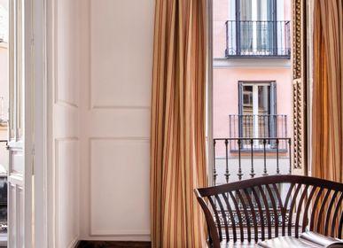 Design carpets - HANDMADE AREA RUG FIONA DESIGN by Fabián Ñíguez  - KAYMANTA