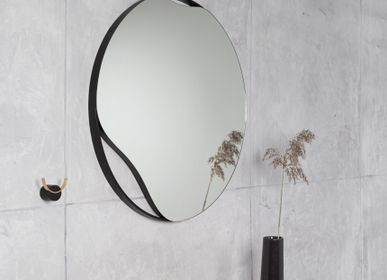 Mirrors - Mirror PUDDLE | oak wood, black or white, ∅ 70 cm - NAMUOS