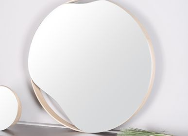 Mirrors - Mirror PUDDLE | oak wood, black or white, ∅ 50 cm - NAMUOS