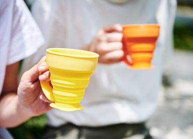 Cadeaux - On-the-go Tasse en silicone pliable, tasse, bouteille (set avec pochette Tyvek) - WEMUG