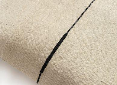 Fabric cushions - Séma ortie ligne noire - MILLE ET CLAIRE