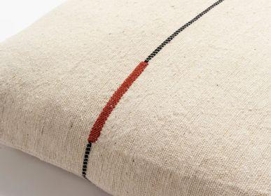 Fabric cushions - SÉMA - Coussins filés en fibres d'ortie  - MILLE ET CLAIRE