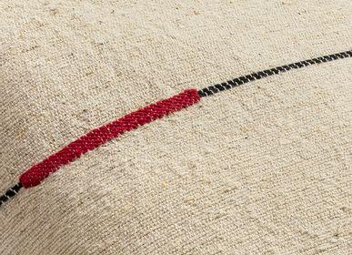 Coussinstextile - Séma fibres d'ortie ligne rouge - MILLE ET CLAIRE