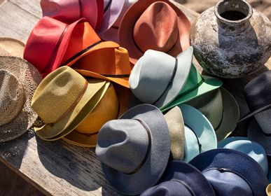 Hats - PLAITED PAPER HAT leather strop - TRAVAUX EN COURS...
