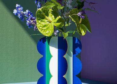 Vases - Riviera Paper Vase - OCTAEVO