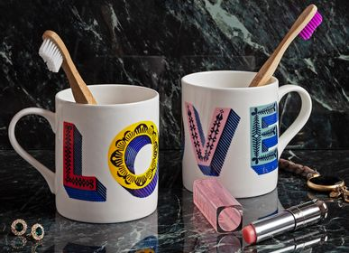 Plateaux - Mug LOVE - Bone China - JAMIDA OF SWEDEN