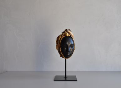 Sculptures, statuettes and miniatures - Large faces on pedestals - ANNIE DELEMARLE