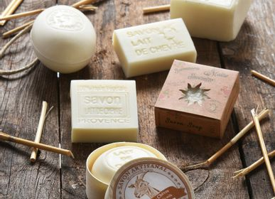 Soaps - vegetable soap with goat's milk - MAITRE SAVONITTO FABRICANT
