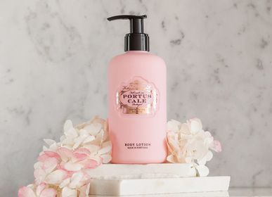 Beauty products - Portus Cale Rosé Blush Body Lotion - CASTELBEL