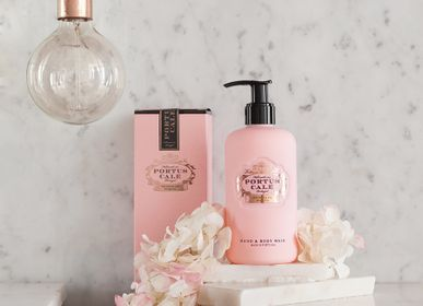 Beauty products - Portus Cale Rosé Blush Hand & Body Wash - CASTELBEL