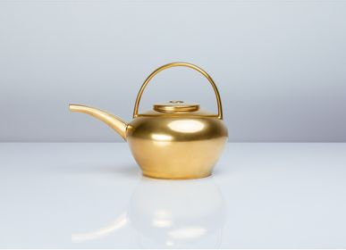 Coffee and tea - Golden tea pot - HERING BERLIN