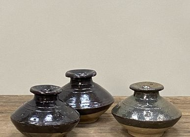 Pottery - Old black enameled pots - THE SILK ROAD COLLECTION