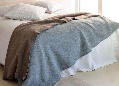 Throw blankets - TOISON - BRUN DE VIAN-TIRAN