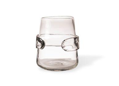 Vases - Vase Embrace - POLS POTTEN