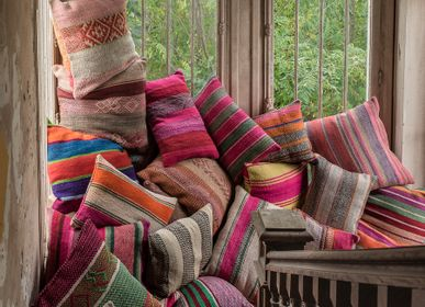 Fabric cushions - Throws and cushions of the Andes - LE MONDE SAUVAGE BEATRICE LAVAL