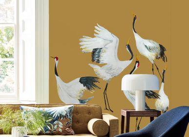 Papiers peints - Wallpaper Japanese Crane Dance ocher yellow - CATCHII