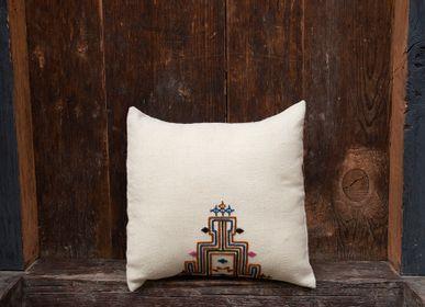 Fabric cushions - Cushion GACHU - BHUTAN TEXTILES