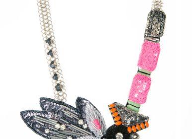 Bijoux - Amy Plastron - CHRISTINE'S - HANDMADE DESIGNERS ACCESSORIES