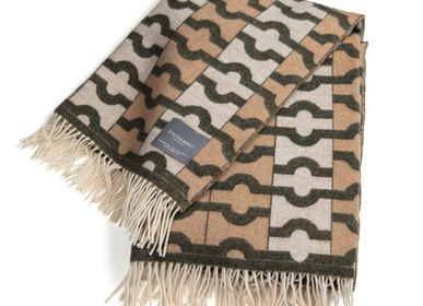 Throw blankets - 9101 Stackelbergs Wallpaper Blanket Beige, Moss & White - STACKELBERGS