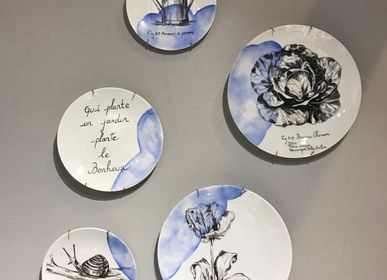 Unique pieces - Wall installation of illustrated plates GARDEN - VERONIQUE JOLY-CORBIN